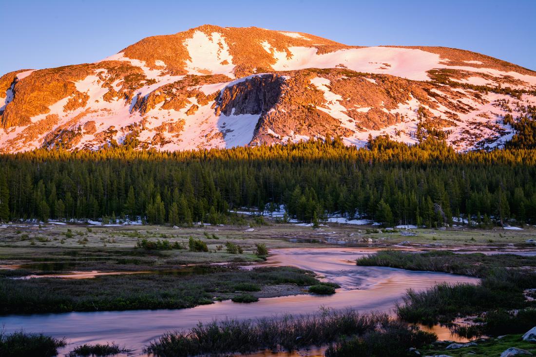 Alpenglow on Mammoth Peak