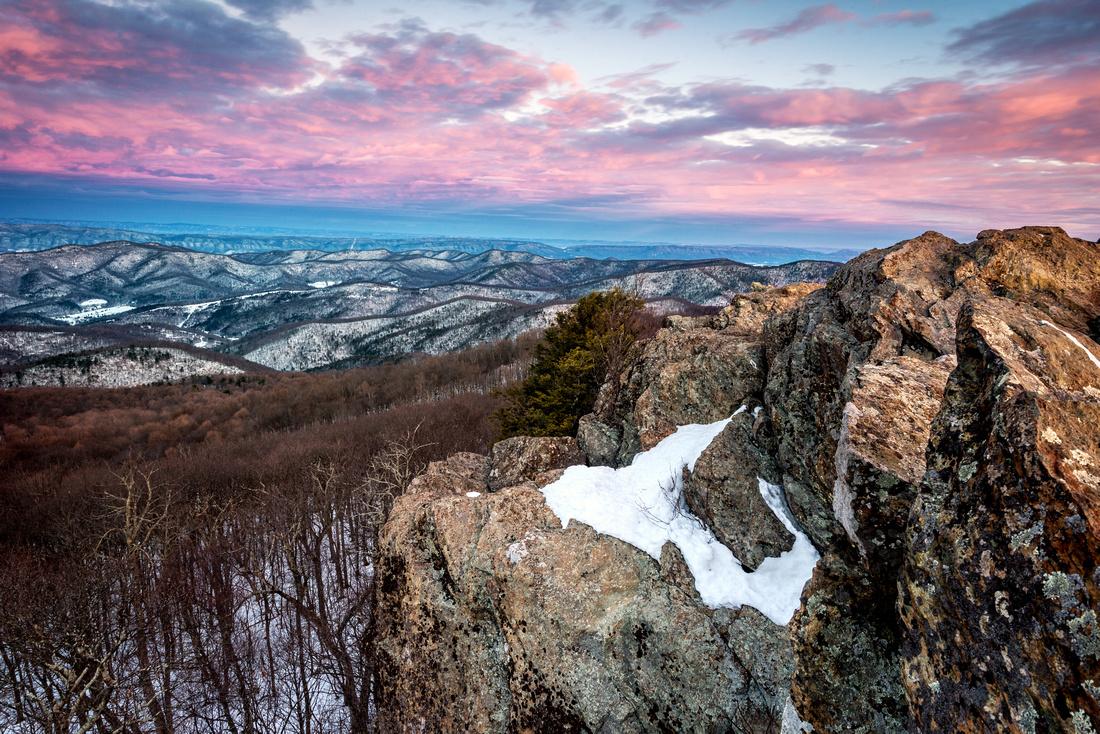 Sunrise atop Bearfence Mountain